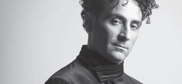 """""""Definirlo pianista sarebbe riduttivo, così come compositore o musicista …"""" La recensione di Andrea Direnzo su """"L'isola che non c'era"""" dell'ultimo album di Antonio Fresa """"Piano Verticale"""""""