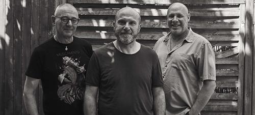 """C'è in giro un bel disco jazz : """"Il Dono"""" di Fausto Ferraiuolo in trio con Aldo Vigorito e Jeff Ballard. Ce lo racconta Simona Stammelluti"""